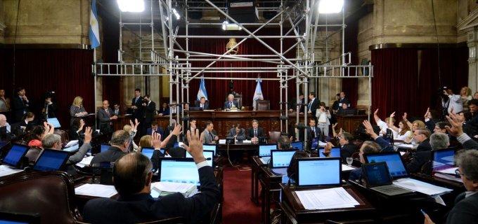El Senado convirtió en ley el Presupuesto 2017, los senadores Negre y Saá siguen denunciando que la coparticipación  de las provincias no es federal