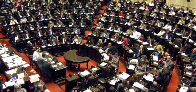"""Sosa contra los gastos de representación de Diputados: """"Los diputados del PRO y el kirchnerismo aplican el ajuste pero se aumentan los ingresos"""""""