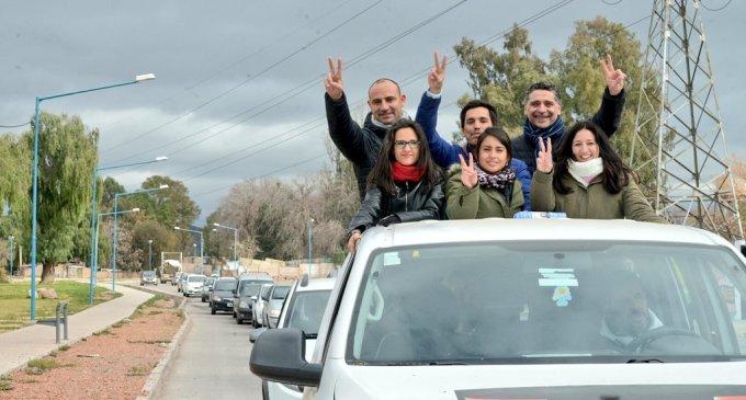 """Jofré y Juri cerraron su campaña con un """"caravanazo"""" demostrando que la convicción de Cristina está presente en el pueblo mendocino"""