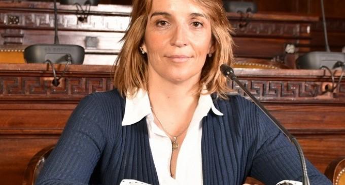 """La diputada Sanz contra la prensa """"mala leche"""": """"De los 3500 docentes  que se dispusieron rendir jerarquía solo dos se copiaron"""""""