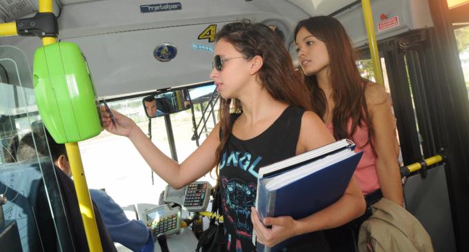 Noelia Barbeito propone ley nacional de Boleto Educativo Gratuito y quiere llevar el proyecto al Congreso de la Nación