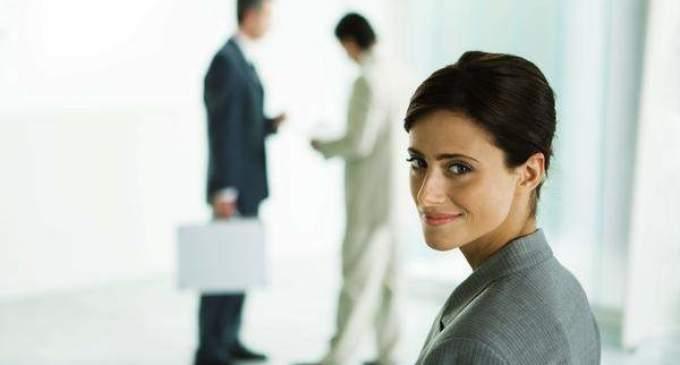 Informe demuestra que el salario de las mujeres es un 3% mayor al de los hombres
