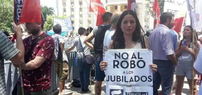 """Noe Barbeito apuntó contra José Luis Ramón: """"Debe una explicación a los que les dijo que iba a proteger a los abuelos y hoy se abstuvo de suspender esta vergonzosa sesión"""""""