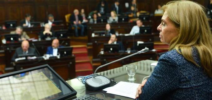 """El Ítem Zona obtuvo media sanción del Senado mendocino: """"Tras años de una decisión frenada, estamos a punto de reivindicar los sueldos de 16 mil docentes"""" celebró la senadora Caroglio"""