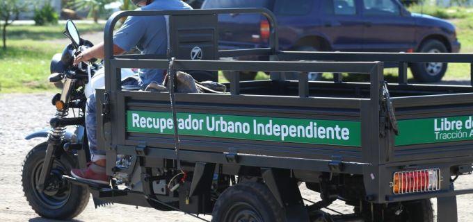 Basta de maltrato animal: Se entregaron las últimas motocargas que reemplazan los carros a tracción animal en Luján de Cuyo