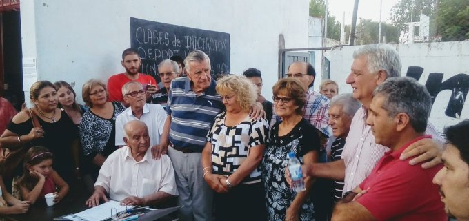 """El Flaco José Luis Gioja advierte: """"Si el Gobierno Nacional va a recortar los planes sociales, está generando un caldo de cultivo para que estalle un conflicto social"""""""