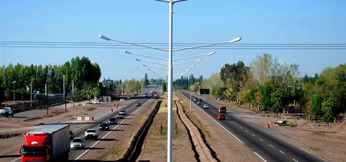 Reemplazan por luminaria LED, 25 kilómetros del corredor vial en el área metropolitana mendocina