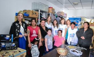 La virreina vendimial más querida entregó 1.000 litros. de leche y 4 tablets a la Asociacion Civil En Red Dando de Tupungato