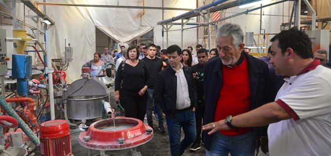 Mientras que en el país se cierran las fábricas, en San Luis (Otro País) resurgen: Cerámica San Luis (ex San Lorenzo) lanzó su primera línea de producción