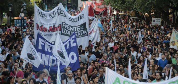 Picante 1° de Mayo en Mendoza: Cornejo presentará el año Legislativo con una fuerte concentración obrera exigiendo basta de tarifazos, ajustazos a la educación, contra el fracking y contra la reforma laboral