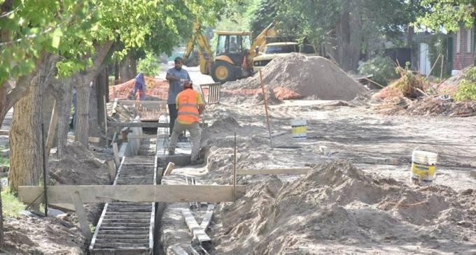 Para mejorar la calidad de vida de la comuna mendocina y generar mano de obra trabajadora, Santa Rosa apuesta en desarrollar obra pública y viviendas