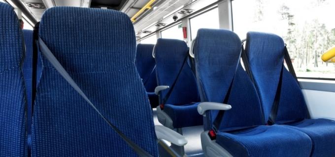 Cobos presentó un proyecto de ley para que el transporte de pasajeros de media y larga distancia cuente obligatoriamente con cinturones de seguridad en todos los asientos