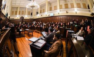 """Es ley el proyecto """"Programa de Fomento a la Inversión Estratégica"""" propuesto por Cornejo para estimular y fortalecer a las industrias mendocinas"""
