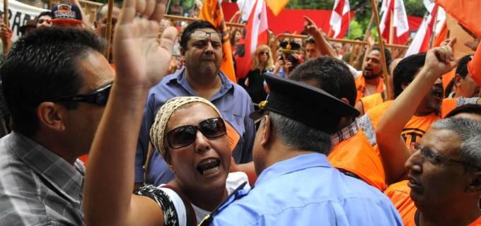 Persecuta a lo Cornejo: En Mendoza quién se expresa en contra del gobierno y la realidad social de los trabajadores es un criminal. El caso de la docente Raquel Blas