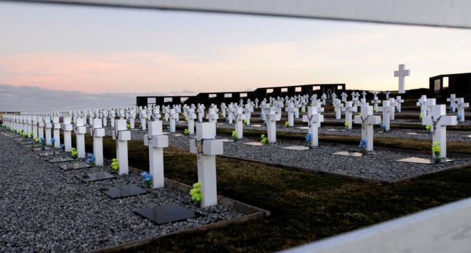 El Senado Nacional distinguirá este martes a las personas que participaron en la identificación de nuestros héroes que yacen en el cementerio argentino de Darwin