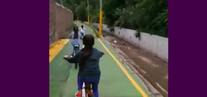 """El nefasto diseño urbano de las bicisendas mendocinas: Antes, postes en el medio del camino y ahora Vadillo denuncia una peligrosa senda sin contención donde niños circulan en bici y al lado de un """"abismo"""""""